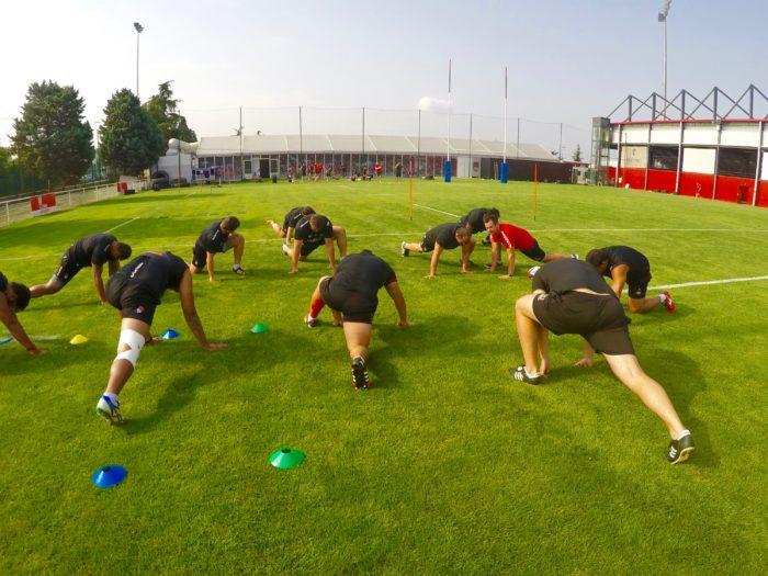 Sylvain Vauraz, un des préparateurs physiques du LOU Rugby, durant une phase préparatoire.